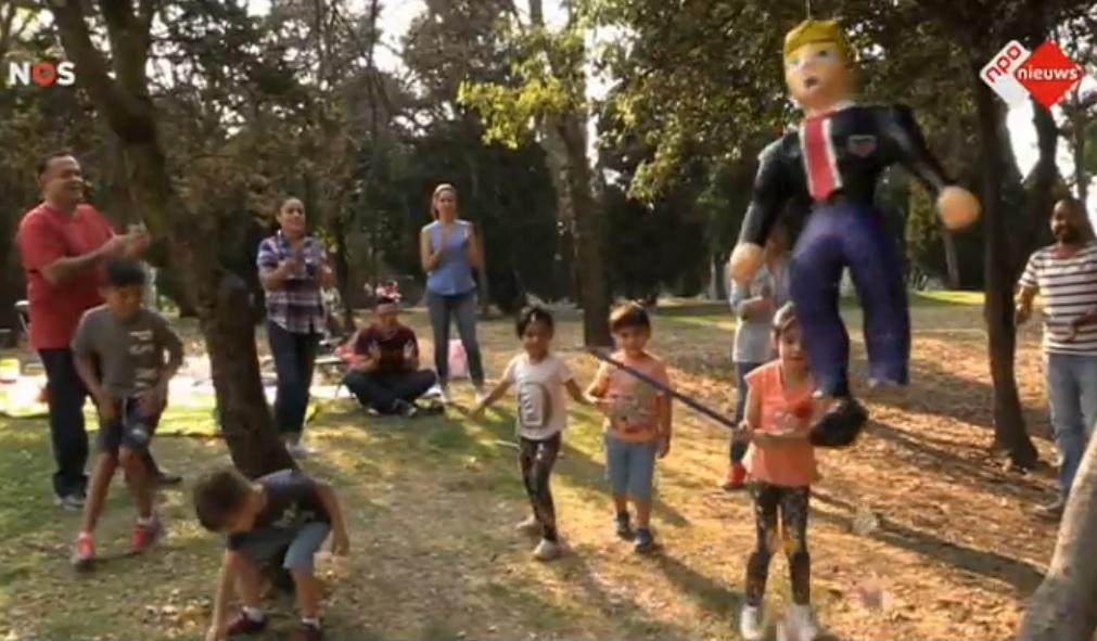 trump-pop-mexico-kinderen-zwaard