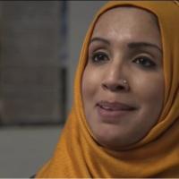 """Dus…je draagt een islamitisch kopvod voor """"kuisheid"""" maar steekt een diamandpin door je neus om aandacht te trekken?"""