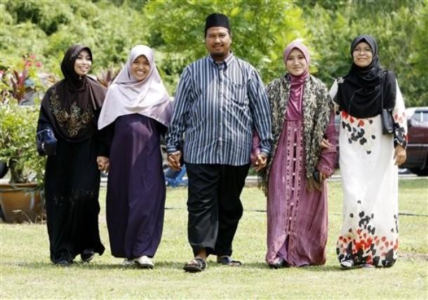 blog-roosevelt-moslim-4wives-2
