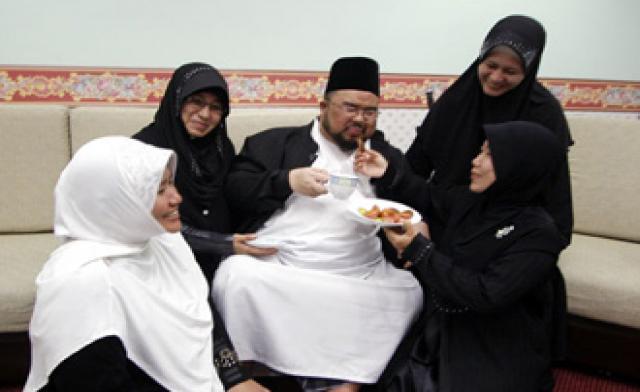 blog-roosevelt-moslim-4wives