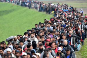 refugees-march-into-eu