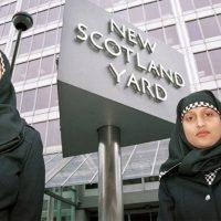 Hoofddoek bij politie is capituleren voor islam en een aanval op onze vrijheid en veiligheid